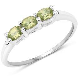 Srebrny pierścionek z 3 naturalnymi perydotami 0,60 ct